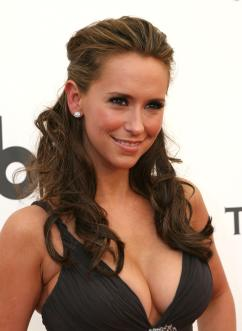 JenniferLoveHewitt black shell dress