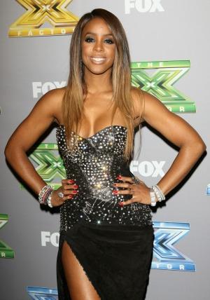 Kelly Rowland - side shot