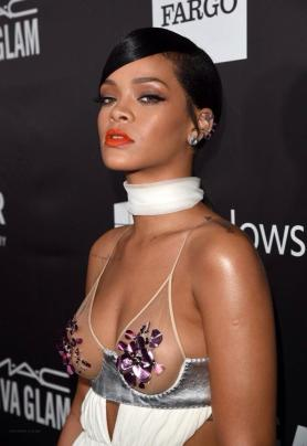 Rihanna-bowtie dress