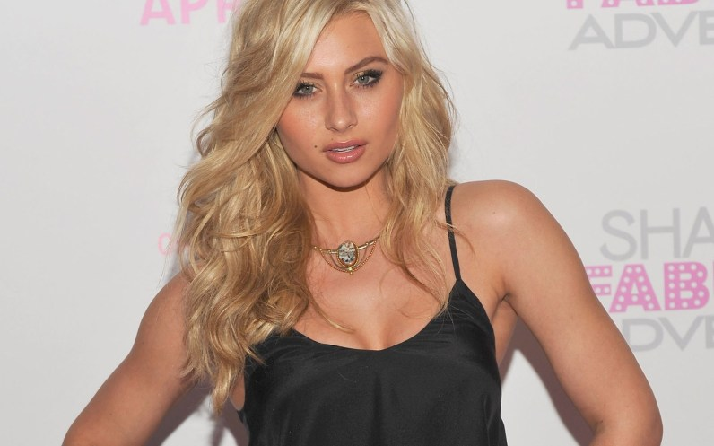 Aly Michalka- hairstyle