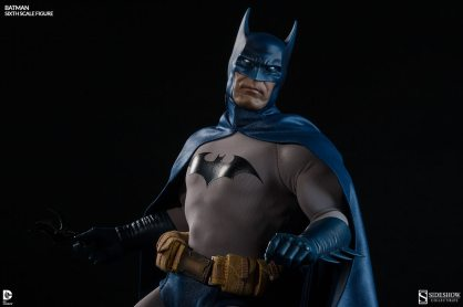 Batman Sideshow Collectibles 12 inch figure - ready for action