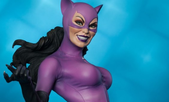 Catwoman premium format figure Sideshow - wide