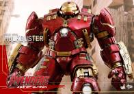 Hot Toys Avengers Age of Ultron - Hulkbuster Iron Man - wide close up