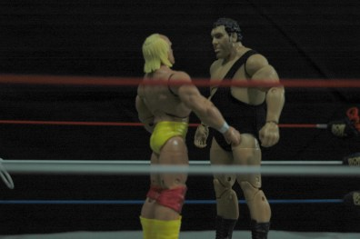 Hulk Hogan Defining Moments figure - Andre the Giant Wrestlemania 3 face off