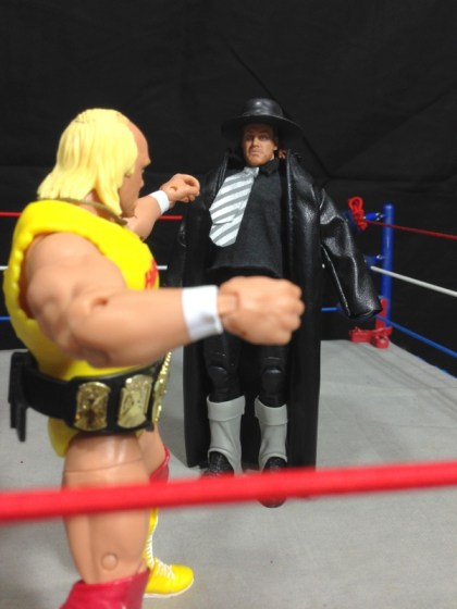 Hulk Hogan Defining Moments figure - facing The Undertaker