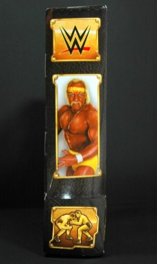 Hulk Hogan Defining Moments figure - package side