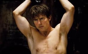 Mission Impossible Rogue Nation - Ethan Hunt shirtless Tom Cruise