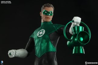 Sideshow Collectibles - Green Lantern Sixth Scale figure - with lantern