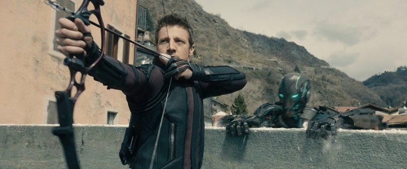 Avengers - Age of Ultron - Hawkeye aiming