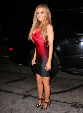 Carmen Electra - red black dress legs heels