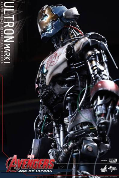 Hot Toys Avengers Age of Ultron - Ultron Mark 1 - profile side