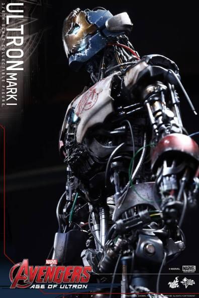 Hot Toys Avengers Age of Ultron - Ultron Mark 1 - profile side