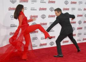 Ming Na Wen vs Jeremy Renner Avengers Age of Ultron premiere