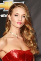 Rosie-Huntington-Whiteley red top