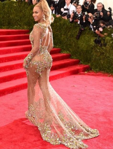 2015 Met Gala - Beyonce-Knowles left side-