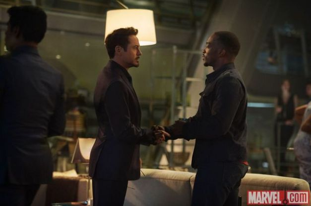 Avengers Age of Ultron - Tony Stark and Falcon-002