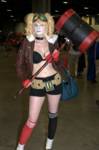 Awesome Con 2015 Day 1 cosplay -Harley Quinn with mallet