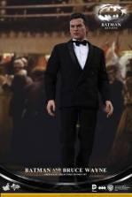 Hot Toys Batman Returns figure - Bruce Wayne tux full