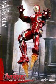 Hot Toys Iron Man Mark XLV figure - hovering