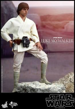 Hot Toys Star Wars Luke Skywalker - looking at suns
