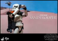 Hot Toys Star Wars Sandtrooper- searching right