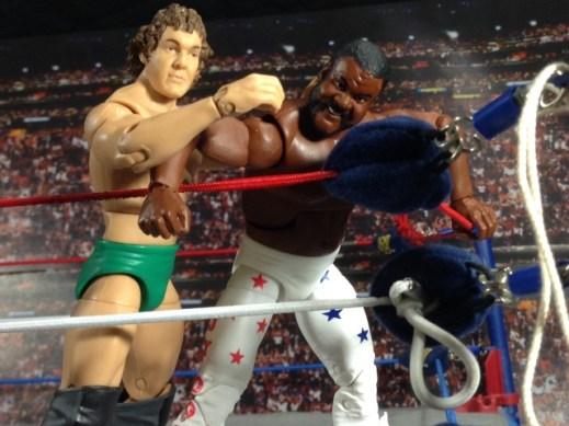 Junkyard Dog figure Mattel WWE Elite 33 - not hurting head on turnbuckle