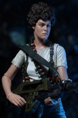 NECA Aliens - Ripley with gun