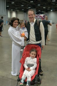 Awesome Con 2015 cosplay Saturday - Princess Leias and Han Solo