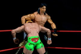 Eddie Guerrero Hall of Fame figure review - about to tornado DDT Mr. Ass
