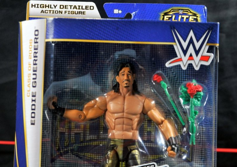 Eddie Guerrero Hall of Fame figure review -package close up