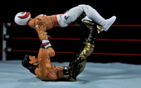 Eddie Guerrero Hall of Fame figure review -surfboard