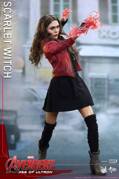 Hot Toys Avengers Age of Ultron Scarlet Witch figure - aiming power
