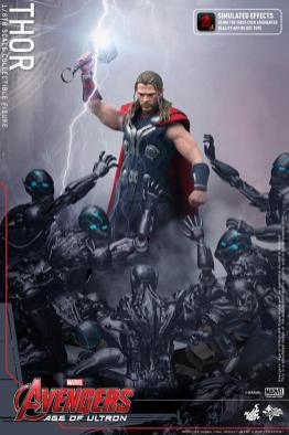Hot Toys Thor Avengers Age of Ultron figure - app hammer preview