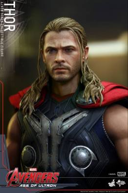 Hot Toys Thor Avengers Age of Ultron figure -face detail