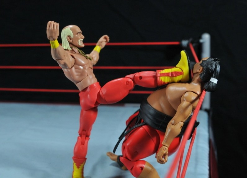 Hulk Hogan Hall of Fame figure - big boot