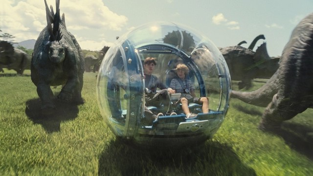 Jurassic World - Zach and Gray and dinosaurs