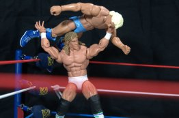 Ric Flair Defining Moments figure review - Kerry Von Erich catches Flair on top