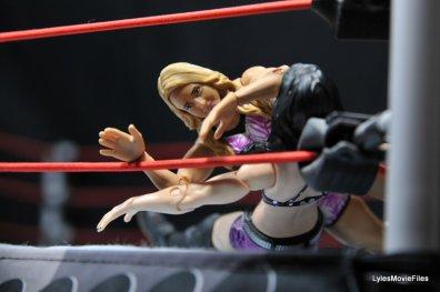 Emma WWE Mattel Basic 30 -Emma sandwich