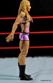 Emma WWE Mattel Basic 30 -right detail