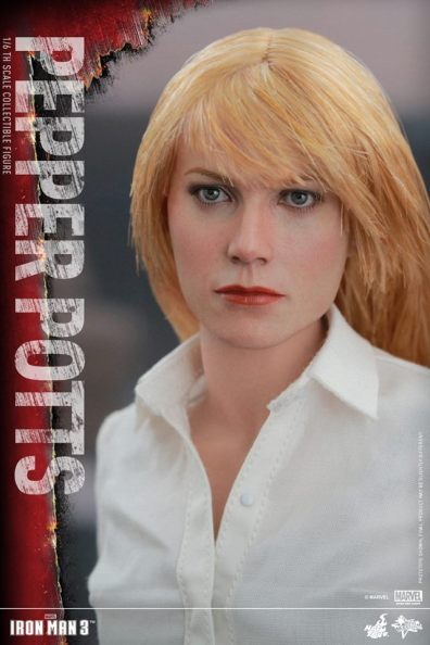 Hot Toys Iron Man 3 Pepper Potts -close up tight
