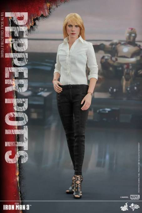 Hot Toys Iron Man 3 Pepper Potts -hand on hip