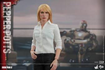 Hot Toys Iron Man 3 Pepper Potts -main pic