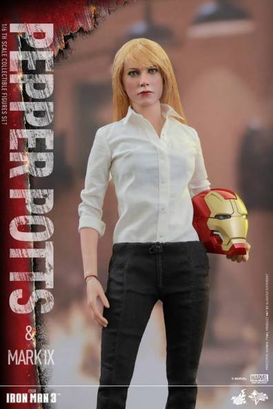 Hot Toys Iron Man 3 Pepper Potts - standing with Iron Man helmet