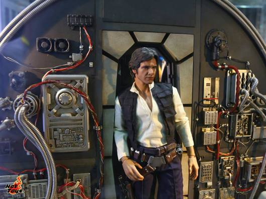 Hot Toys Millennium Falcon and Han Solo
