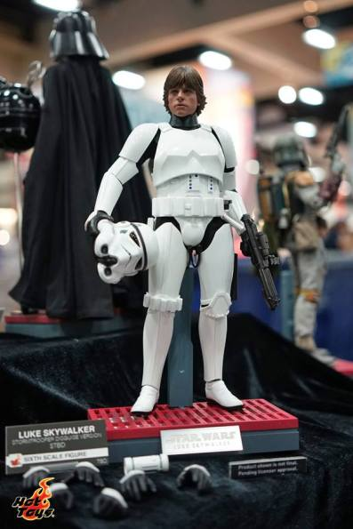 Hot Toys SDCC'15 - Luke Skywalker Stormtrooper disguise