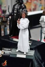 Hot Toys SDCC'15 - Princess Leia