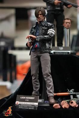 Hot Toys SDCC'15 - Resident Evil 6 Leon Kennedy
