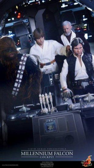 Hot Toys Star Wars Millennium Falcon cockpit -wide shot