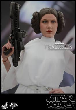 Hot Toys Star Wars Princess Leia - hand on hip