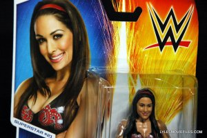 brie-bella-mattel-basic-front-package-closeup